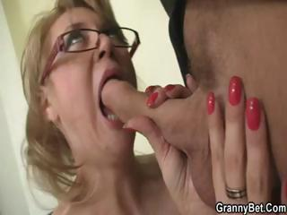 Porno Video of Mature Blonde Office Boss Makes Him Bang Her Hard At Work