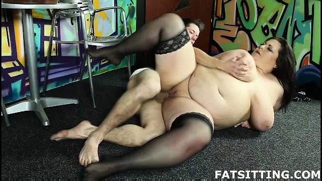 BBW femdom sex with face-sitting and handjob
