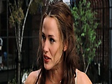 Here is hot clip of Jennifer Garner showing us her hotness