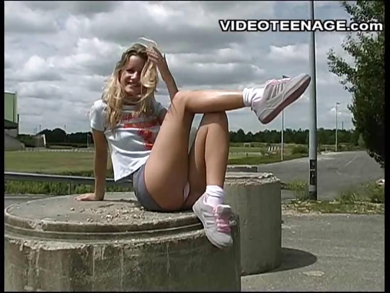 Porno Video of Sexy Teen Naked Outdoor
