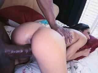 Tia Acting like She Can Take Big Dick Like It Ain't Nothing