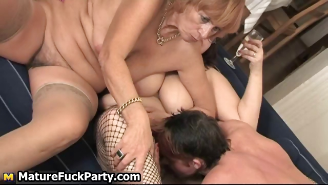 Porno Video of Chubby Mature