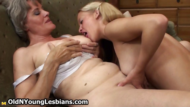 Porno Video of Horny Mature Wife Gets Her Old Grey