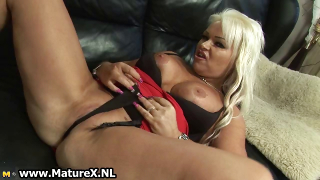 Porno Video of Thick Blonde  In Sexy Black Stockings