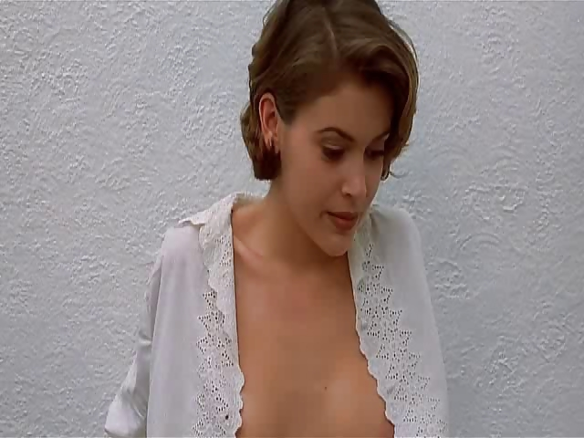 Porno Video of Alyssa Milano - Embrace Of The Vampire