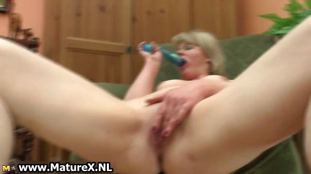 Porno Video of Horny Ripe Mature Wife Loves To Fuck