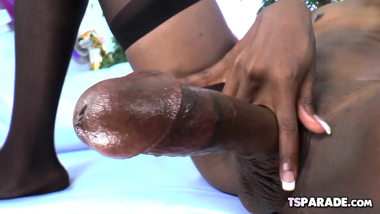 Ebony Shemale Kourtney Dash Strokes Her Big Cock