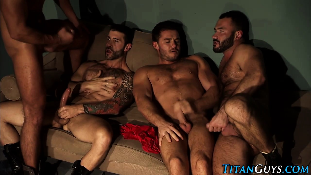 Hung muscle bears tugging