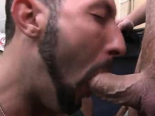 вперше мінєт порно