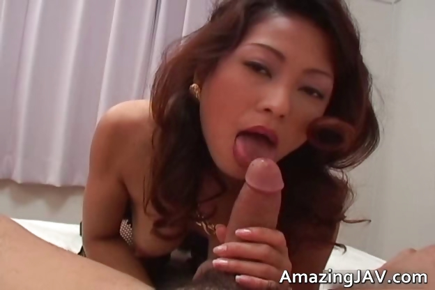 Porno Video of Busty Japanese Girl In Lingerie Sucking