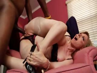 Sex Movie of Nina Hartley Doing A Black Guy... Mokox.com