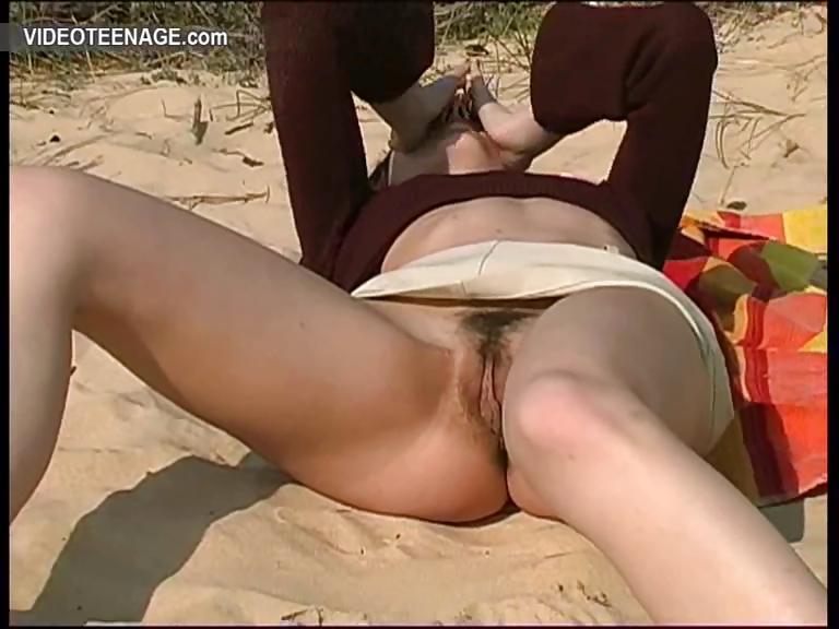 Любительское порно под юбкой фото 253 фотография