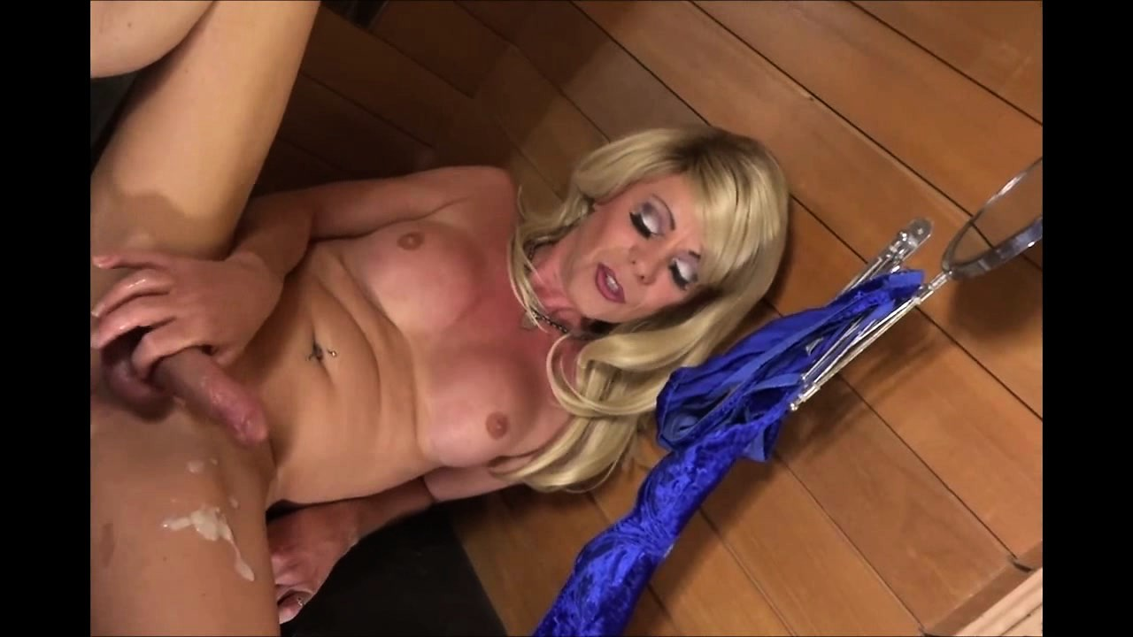 Mature tranny releases her cock juices