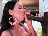 Cock gulp hoe plays with pink twat in closeup | Pornstar Video Updates