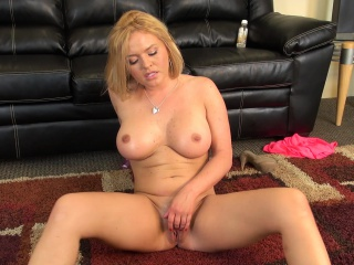 stacked blonde milf with a wonderful ass krissy lynn pleases herself