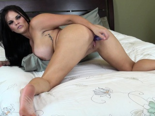curvaceous nympho mackenzee pierce toys and fingers her slit to orgasm