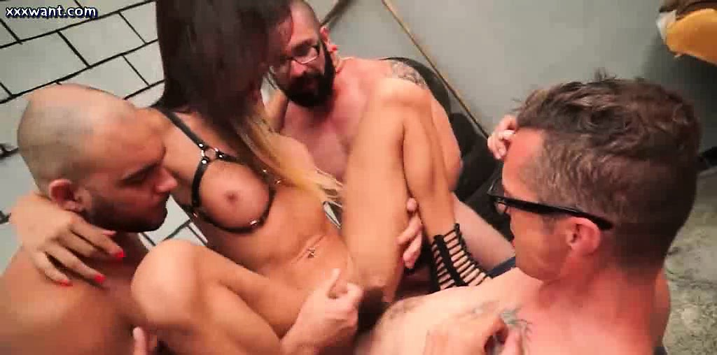 Pretty shemale gets asshole banged in group