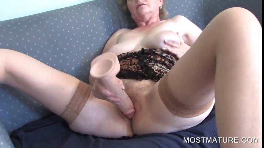 Sex Movie of Mature Masturbating With Dildo