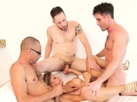 Latina shemale group make love in her office | Tranny Update
