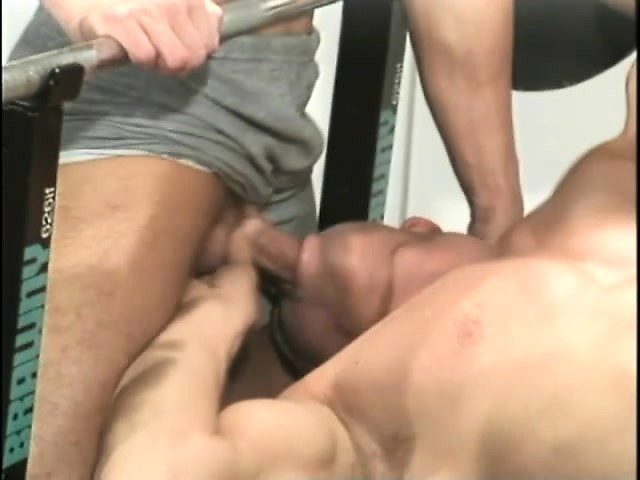 Delightful gay hunk enjoys outstanding pleasure between two hard cocks