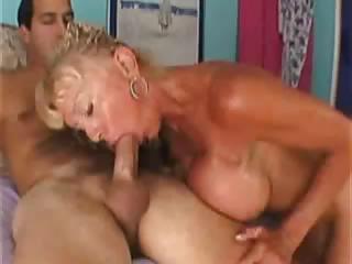 porno-onlayn-frat-house