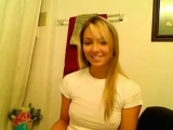 Hot blonde that is uper gives teasing show