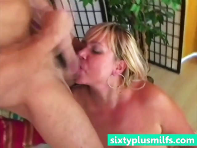 Porno Video of Cumhozed Horny Granny