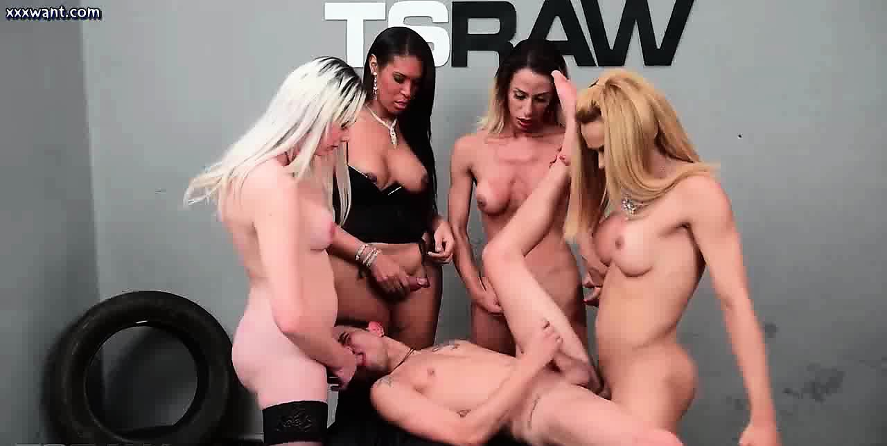 Shemale screwing asshole in group orgy