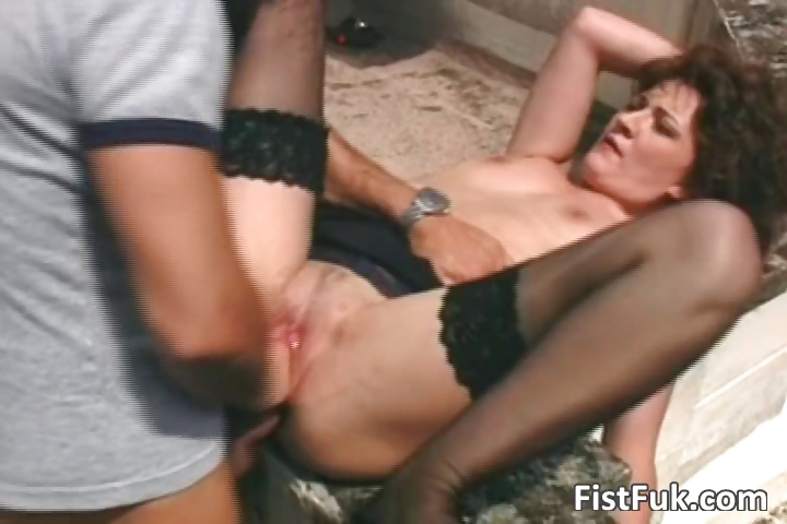 Porno Video of Brunette Mature Whore Fucked On Terrace