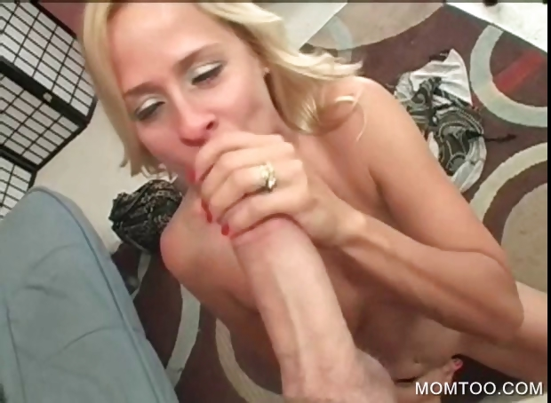 Porno Video of Mommy Blowing Massive Pecker