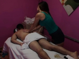 Asian masseuse tugs clients dong