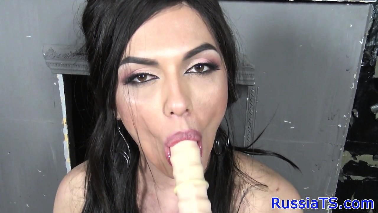 Sensual Russian tranny blows camera guy POV