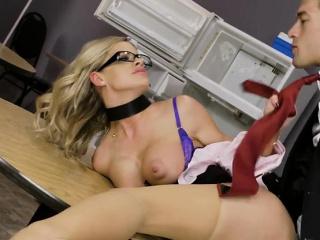 hot new intern jessa rhodes gets impaled by boss