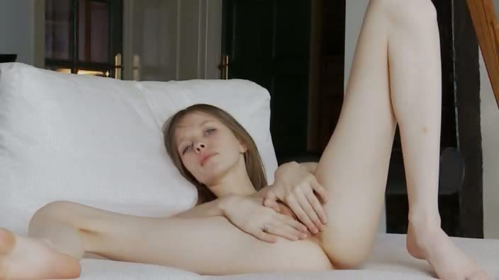 Porno Video of Vagina Opening Of Ultra Skinny Girl