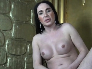 amateur transsexual strokes her dick