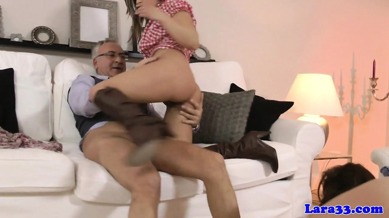 Mature english cougar fucking in euro trio