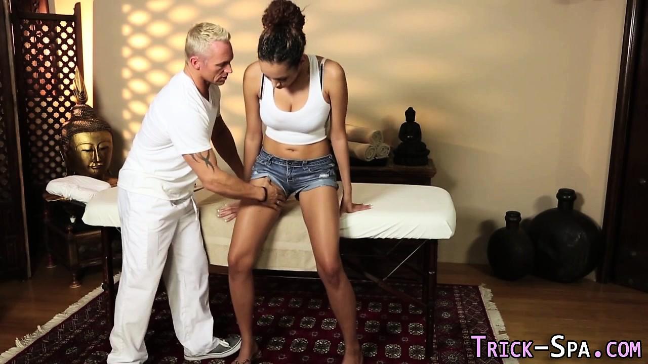 Fooled ebony massage jizz