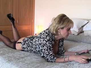 cheating british milf gill ellis displays her big jugs