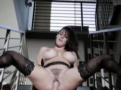Hot wife peta jensen gets dicked down by hung messenger | Porn-Update.com