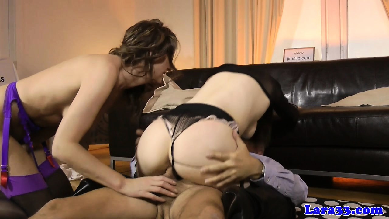 Mature stockings pussylicked before trio sex