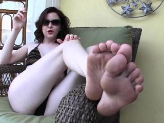 goddess emma poolside foot bath! t