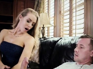 blonde vixen nicole aniston blows friends hung fiance