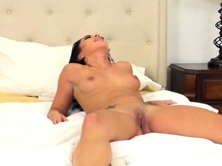 morgan is a fit asian who cannot wait to show you her skills