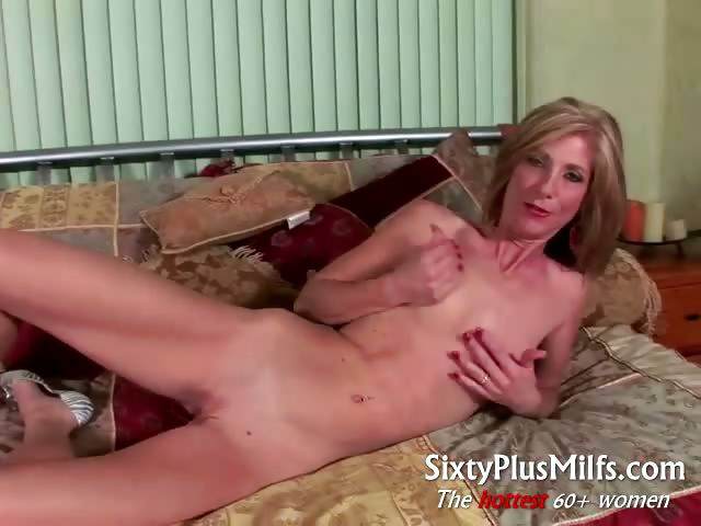 Porno Video of Horny Mature Wife Gives Kinky Solo