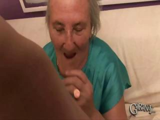 Porno Video of Granny Takes Out Her Dentures
