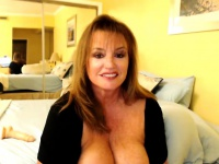 Amazing Mature Teasing On Webcam | Porn-Update.com