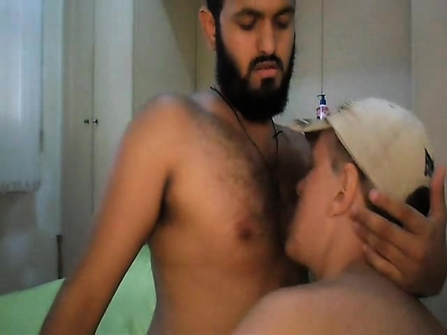 Braxton Bond sucking big fat gay cock