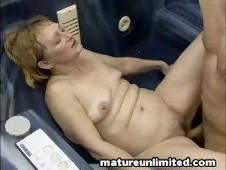Sex Tubes of Moms Like Ass Licking