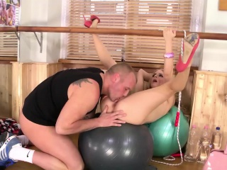cayenne klein takes it up the ass