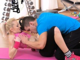 FitnessRooms Gym couple cant resist sex in the gym